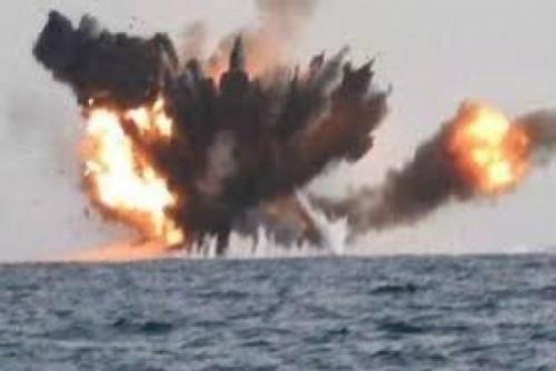 مليشيا الحوثي تستخدم القوارب المفخخة لتهديد حركة الملاحة.. تفاصيل