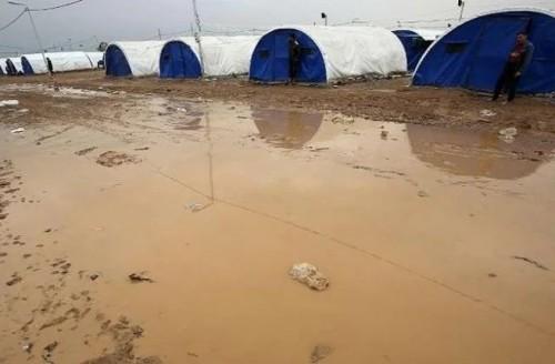 مخيمات النازحين بالعراق تتضرر بفعل السيول