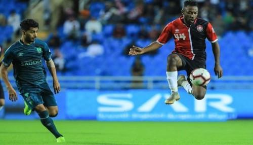 الأهلي يسقط في فخ التعادل أمام الحزم في الدوري السعودي
