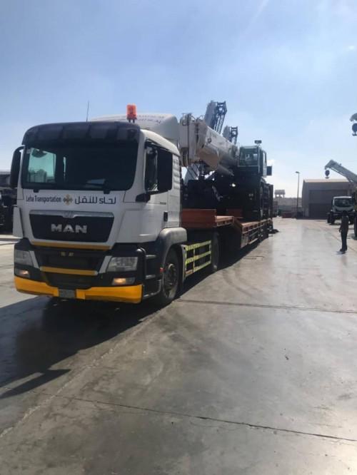 وصول رافعات مينائي «عدن والمكلا» لمنفذ الوديعة الحدودي (شاهد)