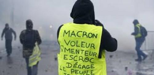 سياسي يكشف سبب قمع الأمن الفرنسي للمتظاهرين