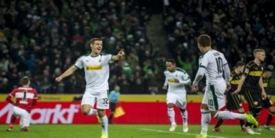 بروسيا مونشنجلادباخ يواصل التربع على وصافة الدوري الألماني