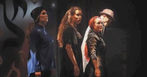 """عرض مسرحية """"جويف"""" بأولى أيام مهرجان قرطاج المسرحية"""