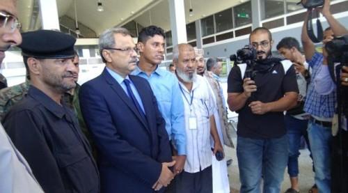 بالصور.. افتتاح أول معرض فوتوغرافي مستدام في مطار عدن الدولي