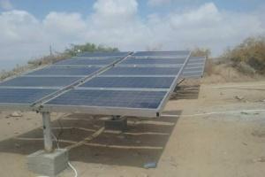 تركيب ألواح شمسية لمشروع المياه بأحور