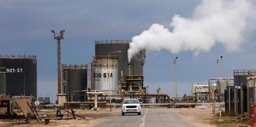 """ارتفاع في أسعار النفط بسبب أزمة حقل """"الشرارة"""" الليبي"""