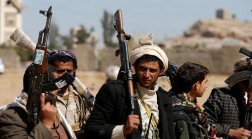 مصادر محلية: مليشيا الحوثي تقصف منازل المدنيين في حيس