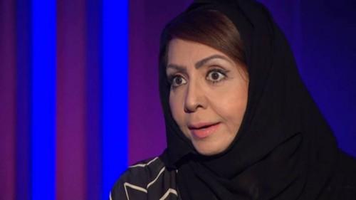 """السعودية أميمة خميس تفوز بجائزة نجيب محفوظ للأدب """"تفاصيل"""""""