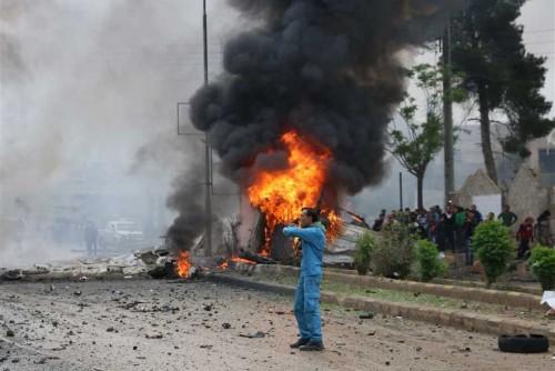 مقتل وإصابة 20 شخصاً في انفجار سيارة بحلب