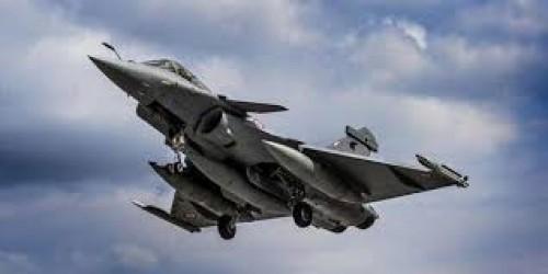 التحالف العربي.. يدمر مستودع أسلحة للحوثيين بصعدة