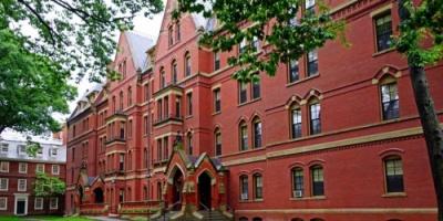 خبير: لكي تعرف قيمة التعليم أنظر إلى الجامعات الأمريكية