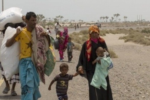 مليشيا الحوثي تهجر عشرات الأسر في الحديدة