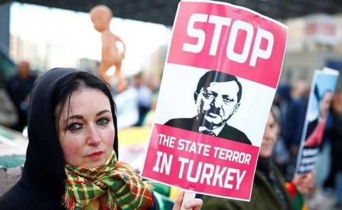 """بين السجن والحظر.. هكذا أعدم """"أردوغان"""" حرية الرأي (تقرير)"""