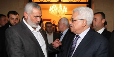 عباس يهاتف هنيه لأول مرة منذ عام.. تعرف على السبب