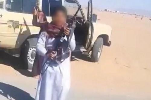 القبض على مواطن سعودي سمح لطفليه بإطلاق النار من سلاحه
