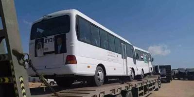 شاهد.. دفعة جديدة من الباصات السعودية تصل المهرة