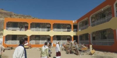 «الهلال الإماراتي» يضع حجر الأساس لتأهيل وترميم مدرستين في محافظة أبين (تفاصيل)