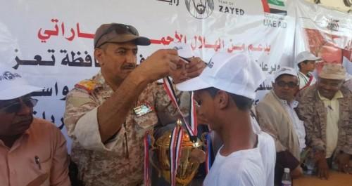 الهلال الإماراتي ينظم ماراثونا رياضيا لطلاب تعز