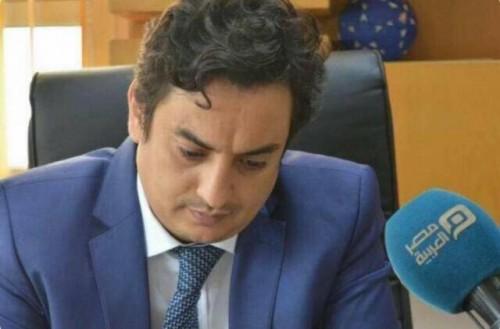 """بسبب الواتساب.. مليشيا الحوثي تعتقل مدير """" كاك بنك """""""