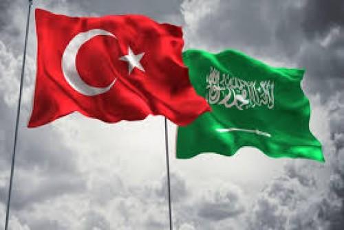 صحفي سعودي يُهاجم تركيا.. لهذا السبب