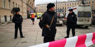 الشرطة الروسية تعتقل 7 أشخاص يرتدون سترات صفراء