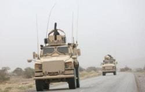 القوات المشتركة تتقدم في نهم.. ومعارك عنيفة مع الحوثيين بصنعاء