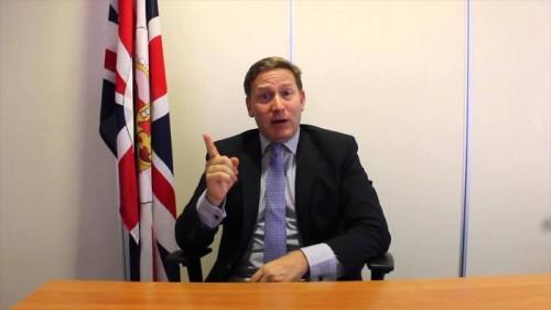 ماذا قال متحدث الخارجية البريطانية عن الاتهامات التي وجهت لبلاده بإنقاذ مليشيا الحوثي؟ (حوار)