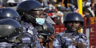 الشرطة السودانية تطلق الغاز على المتظاهرين
