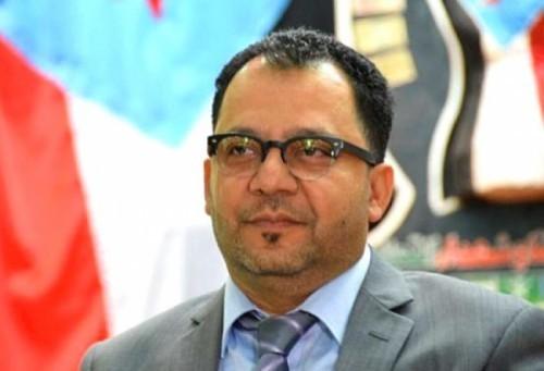 عدنان الكاف عن تمثيل حضرموت بمجلس النواب: من الأولى المطالبة بثرواتنا المنهوبة