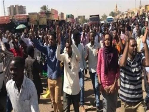 صحافي يُوجه نداء هام للحكومة في السودان (تفاصيل)