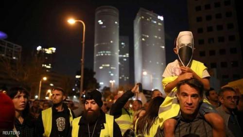 """""""الشعب ضد الحكومة"""" شعار """"السترات الصفراء"""" بشوارع تل أبيب"""