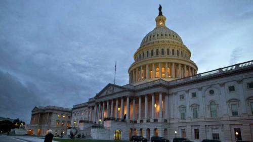 """بسبب إخفاق """" الشيوخ الأميركي"""" 800 ألف موظف  بدون دخل"""