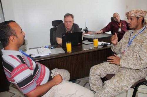المسؤول الأمني للسفارات بعدن يلتقي مدير منظمة Fhi360 الأمريكية