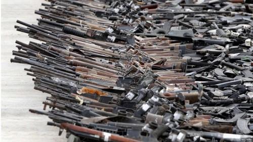 سياسي: ما كشف في عدن من أسلحة واحد على ألف من عددها