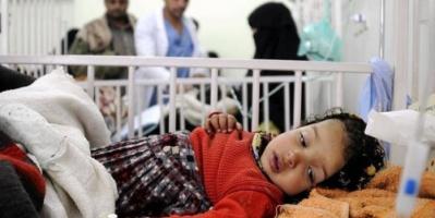 وباء الكوليرا يفتك باليمنيين.. والحكومة لا حياة لمن تنادي