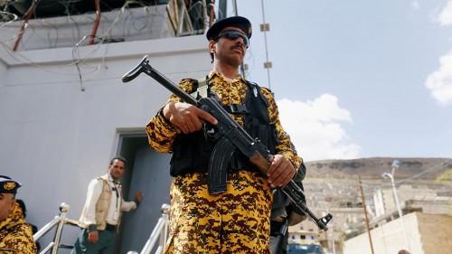 """شاهد.. سياسي يكشف فضيحة مدوية عن تعاون """"حوثي - قطري"""" جديد"""