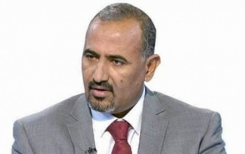 رئيس المجلس الانتقالي الجنوبي يُعزي في استشهاد العقيد ناصر الجحافي