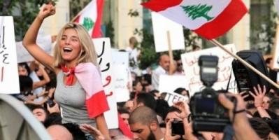 """""""خربتوا البلد"""".. لبنانيون يعبرون عن استيائهم من ساستهم"""