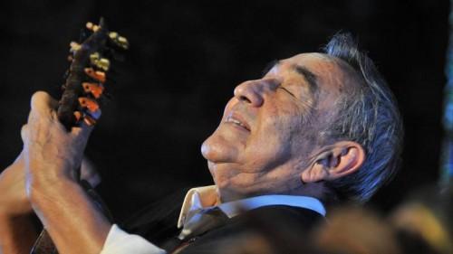 وفاة العازف الأرجنتيني خايمي توريس عن عمر 80 عاما