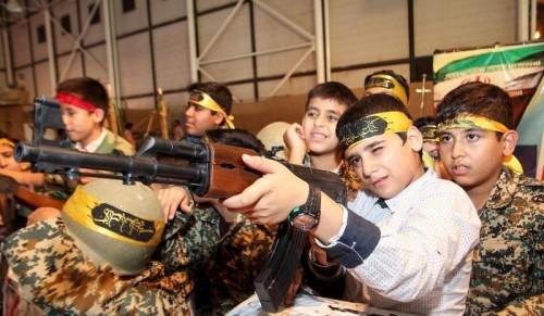 هكذا تصنع إيران مليشياتها من أطفال سوريا واليمن