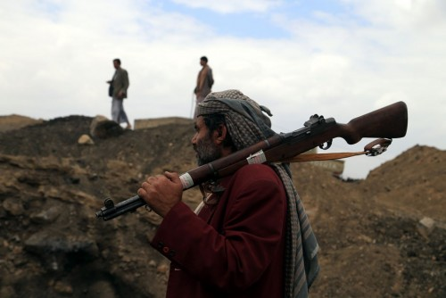 دبلوماسي سابق: إيران ومليشيات تسببوا في ضياع اليمن