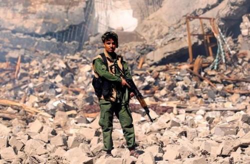 الحوثيون يلجأون لتجنيد أيتام اليمن (فيديو)