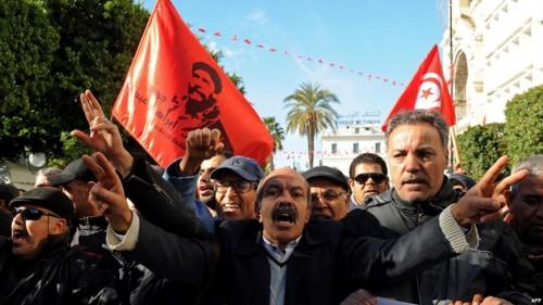 تطورات جديدة في تظاهرات تونس عقب انتحار صحافي