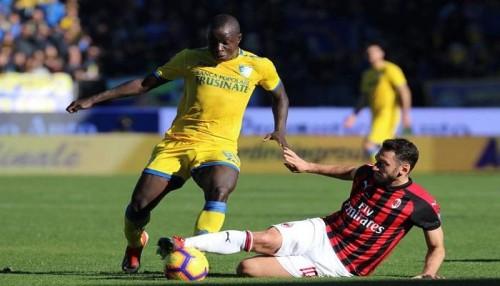ميلان يتعادل مع فروسينوني سلبياً في الدوري الإيطالي