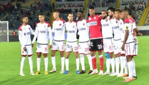 الوداد المغربي يتصدر الدوري بالفوز على حسنية أغادير 2-1