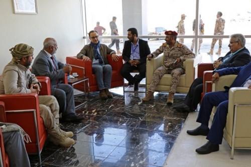 المراقب الأممي يسلم آلية إعادة الانتشار للحكومة والحوثيين