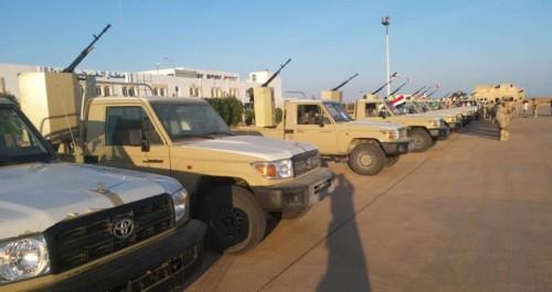 تدشين الدفعة الثانية من عربات خفر السواحل وحرس الحدود بالمهرة