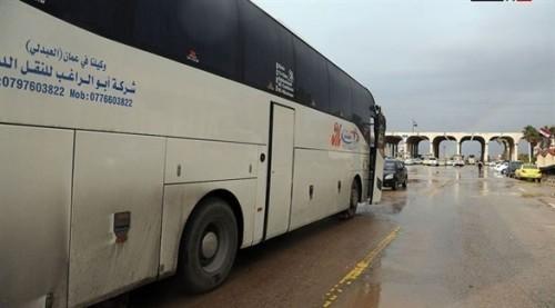 دفعة جديدة من اللاجئين السوريين تغادر الأردن عائدة إلى بلادها
