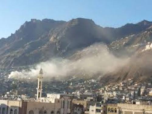 مليشيا الحوثي تطلق قذيفة على المصلين بتعز