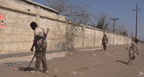 تمهيداً لعبور المواطنين .. نزع الألغام الحوثية من الحديدة (فيديو)